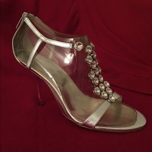 Valerie Stevens - Silver and diamond heel